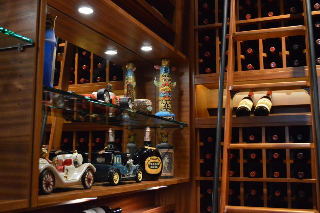 Wine-Racks-Mini-Car-Collection-Custom-Display-with-Glass-Shelves-and-Lighting-1024x681 (1)