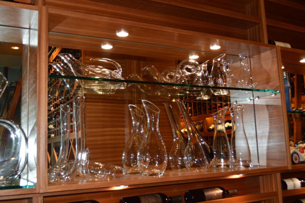 Wine-Racks-with-Glass-Shelves-1024x681
