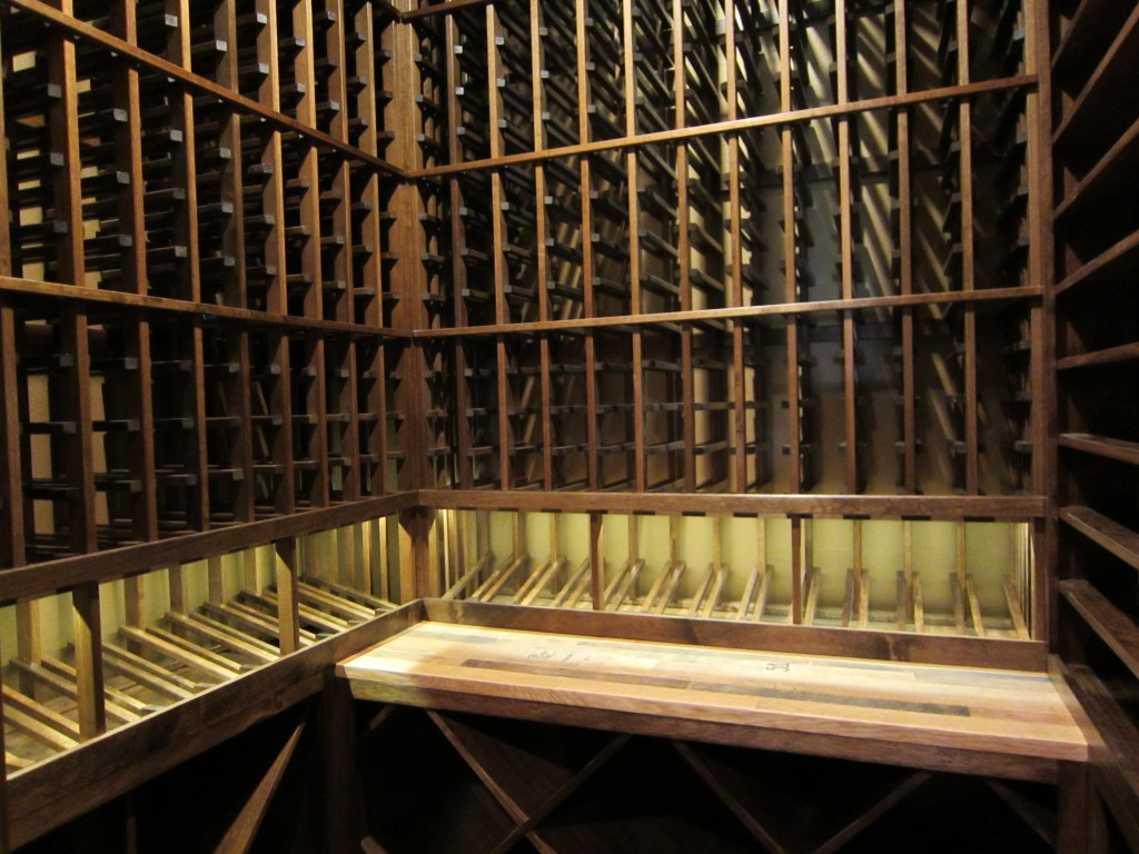 Mahogany Wine Racks with Horizontal Display Row