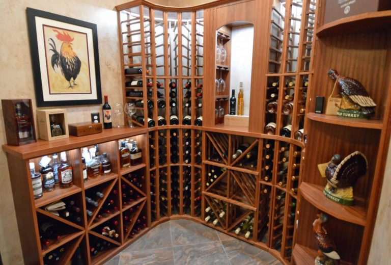 Read more about high-quality wooden wine racks here!